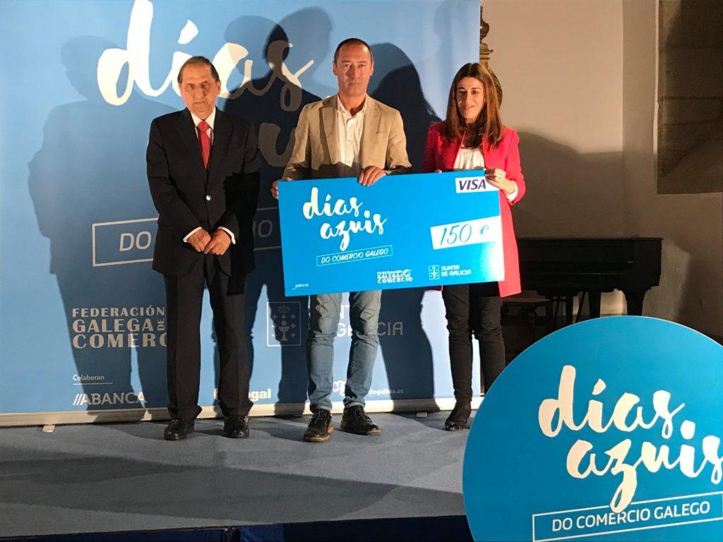 O presidente de AECA participa na entrega dos premios días azuis Edición Outono 2019
